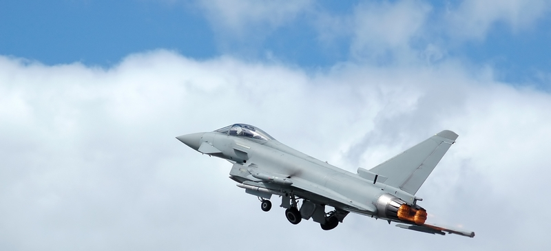 Britain and France must pool parts of their defence
